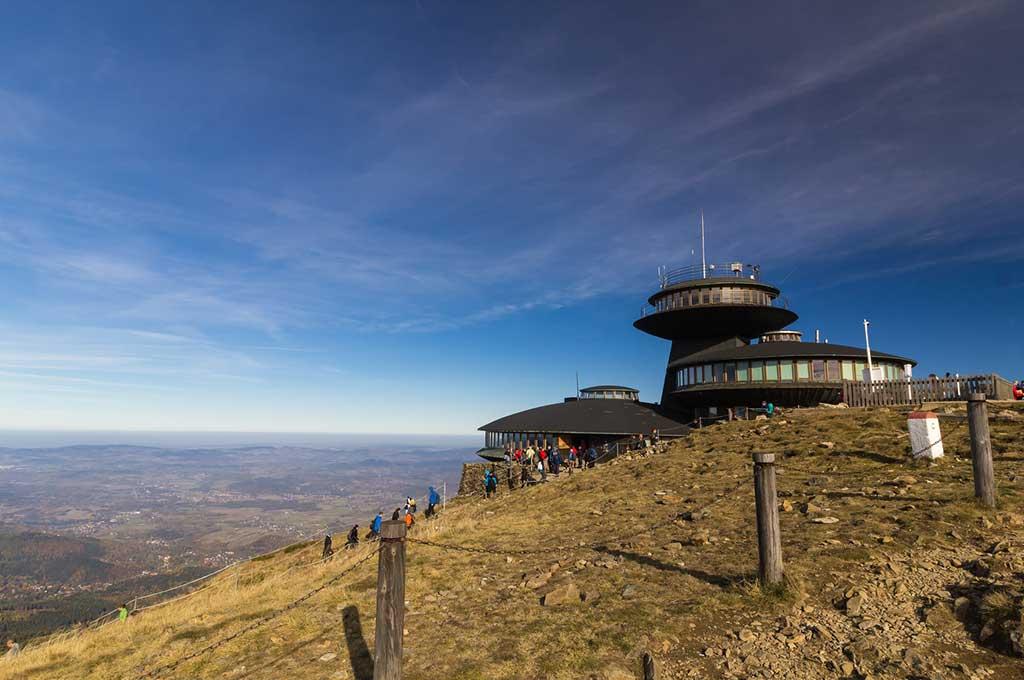 Śnieżka - najwyższy szczyt Sudetów i najwyższa góra Czech