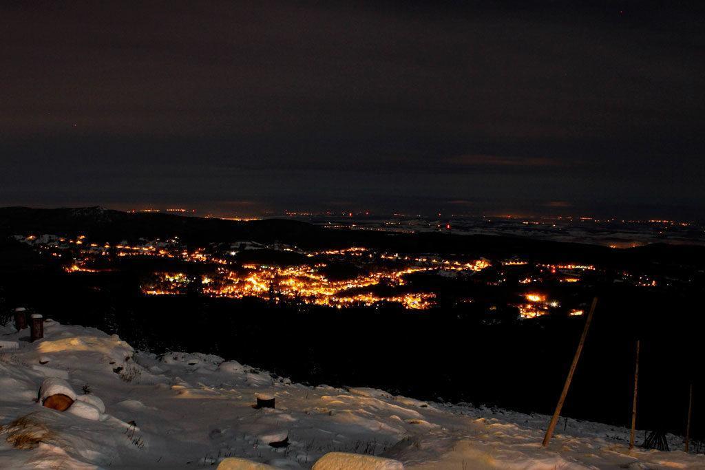 Kotlina Jeleniogórska, widok z grani Karkonoszy