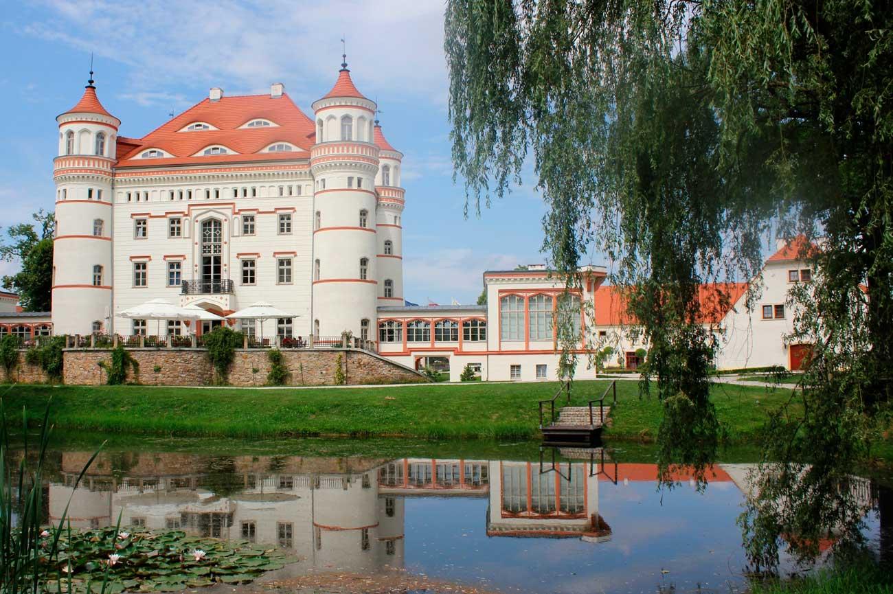 pałac Wojanów - zwiedzanie z przewodnikiem polskiej Doliny Loary