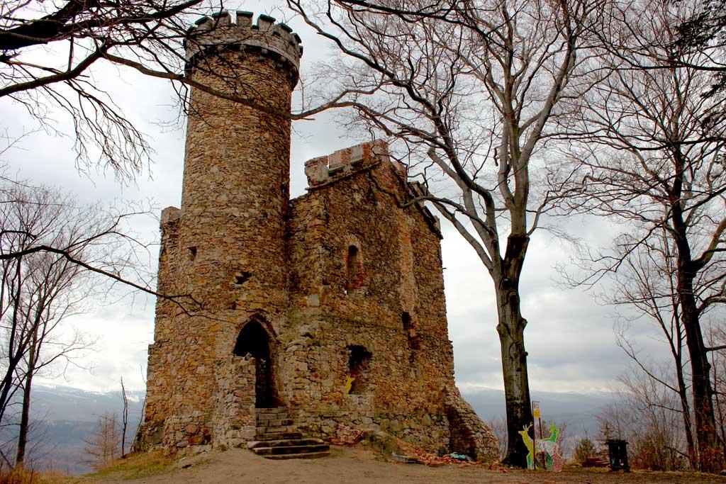 park kulturowy Kotliny Jeleniogórskiej - wieża księcia Henryka w Staniszowie